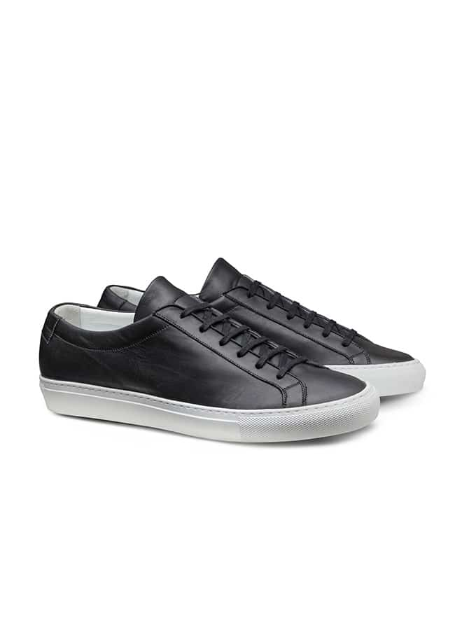 Low-top sneaker black